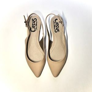 Circus by Sam Edelman nude point flats size 6